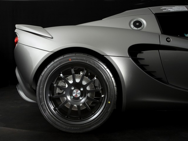 2008-lotus-eco-elise-rear-wheel-1280x960