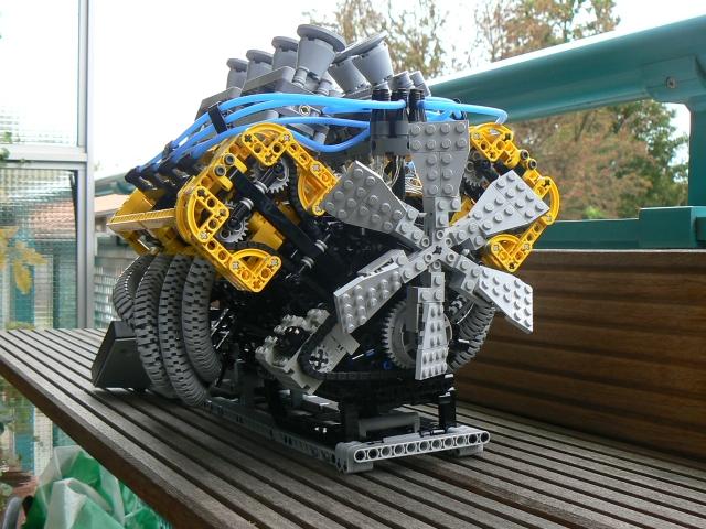 Moteur LEGO