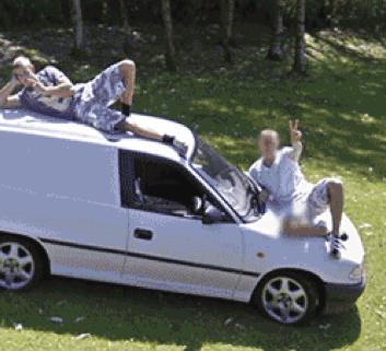 {Gif} Faire coucou à la Google Street View Car